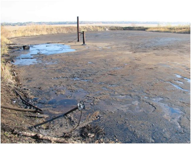 разлитый нефтешлам