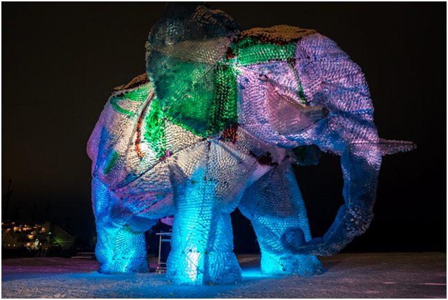слон из бутылок