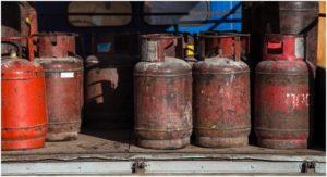 старые газовые баллоны