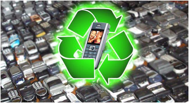 телефоны и значок рециклинга