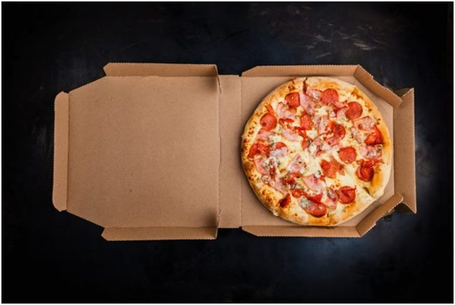 коробка с пиццей