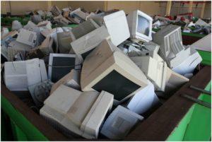 старые мониторы на переработке