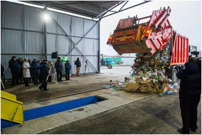 выгрузка отходов на завод