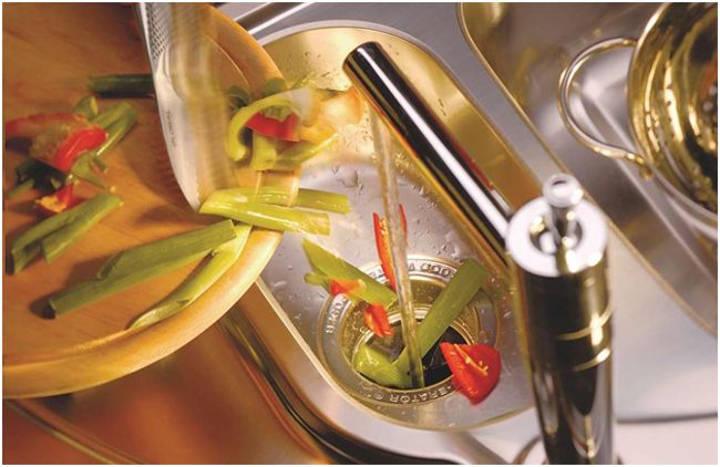 остатки овощей в диспоузер