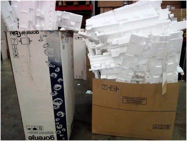 отходы пенопласта в коробках