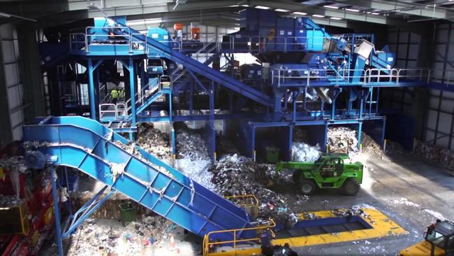 завод сортирует мусор